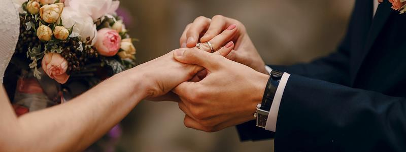 9 Ways to Get Married for Less